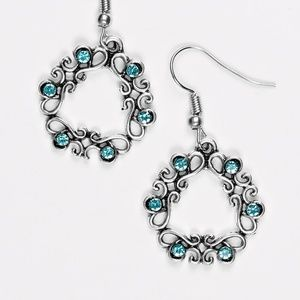 paparazzi Jewelry - Whimsy Wreaths - Blue earrings